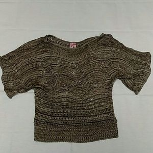 Dolled up by Fang Grayish brown blouse size Large